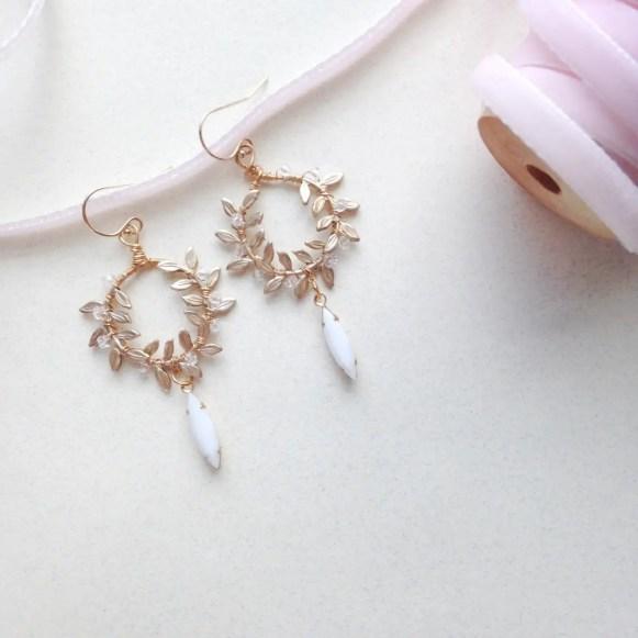 laurel-wreath-earrings-fourth-photo