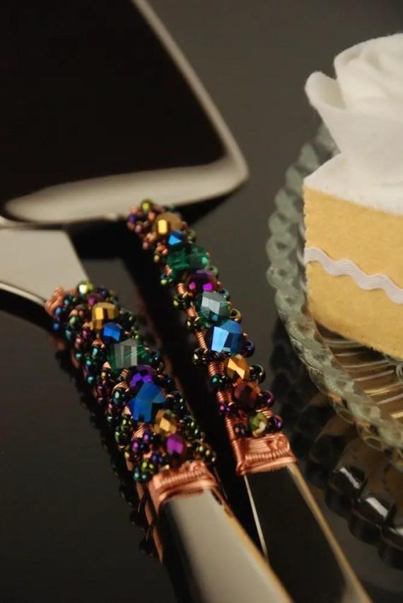 WEDDING ADVICE:  Do you NEED a cake server? | http://emmalinebride.com/cake/do-you-need-a-cake-server