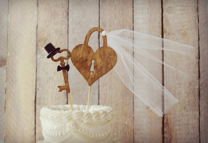 lock-and-key-wedding-cake-topper-by-morganthecreator