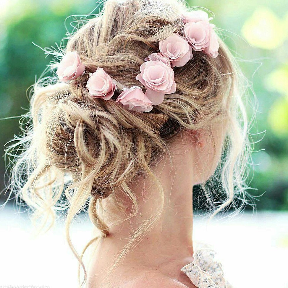 wear flowers in hair