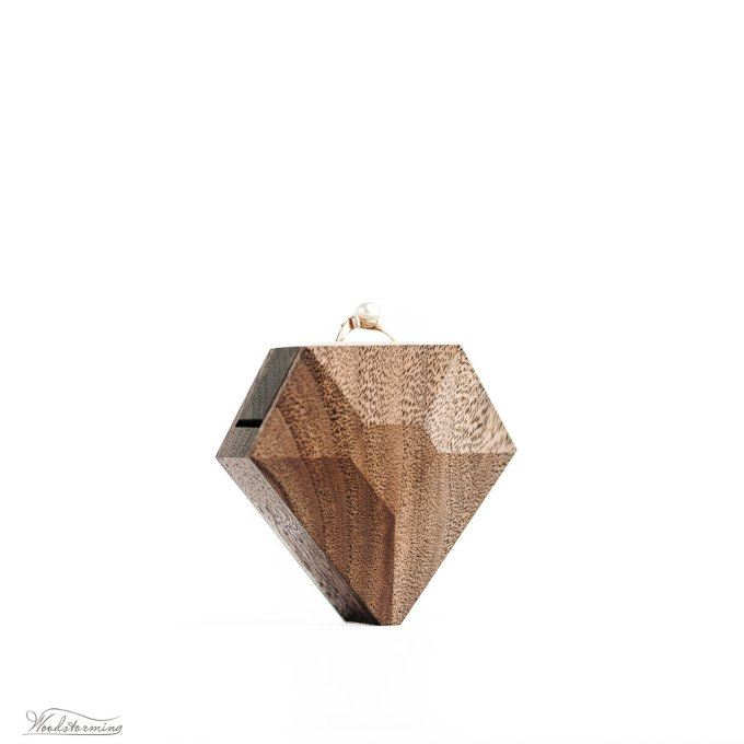 Diamond shaped ring box for engagement / proposal by Woodstorming   http://etsy.me/2koEaYN via http://emmalinebride.com/wedding/diamond-shaped-ring-box/