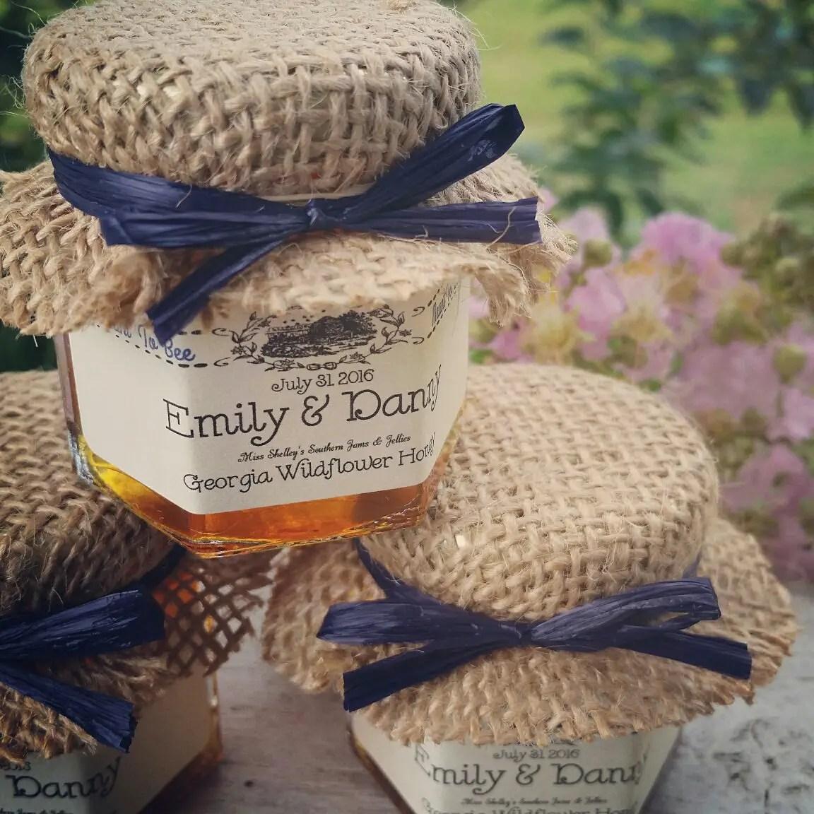 honey wedding favors | http://emmalinebride.com/favors/honey-wedding-favors-mini-jars/