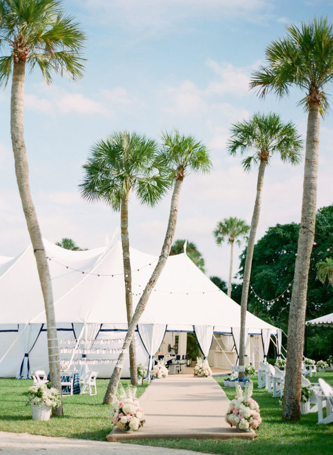 palm tree wedding reception - photo by kt merry photography | 27 Tropical Palm Tree Wedding Ideas | http://emmalinebride.com/themes/palm-tree-wedding-ideas/
