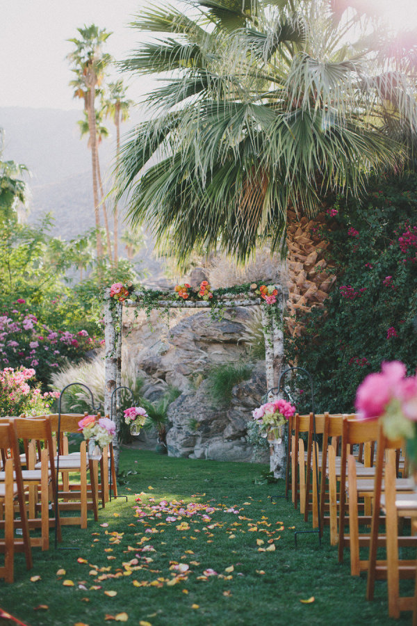 palm tree wedding ceremony - photo by rad + in love | 27 Tropical Palm Tree Wedding Ideas | http://emmalinebride.com/themes/palm-tree-wedding-ideas/