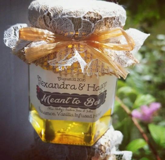 wedding favor honey jars