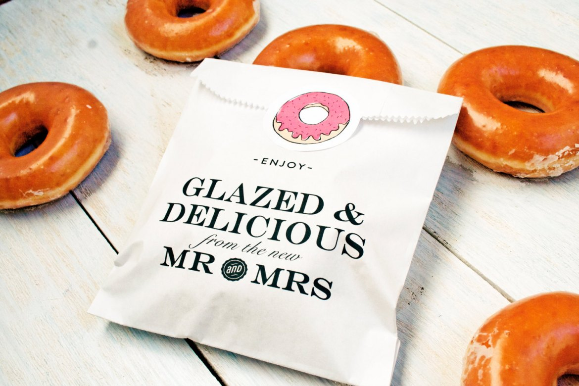 Donut Stand for Wedding Favors | Emmaline Bride
