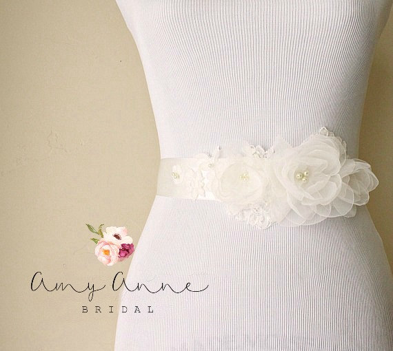How to Tie a Wedding Dress Sash | Sash by Amy Anne Bridal | via http://emmalinebride.com/bride/how-to-tie-wedding-dress-sash/