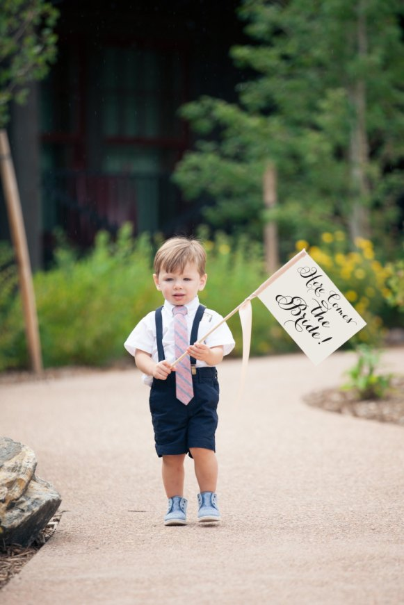 sign for ring bearer to carry - photo by Paulina Ochoa Photography.