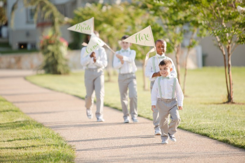 sign for ring bearer to carry - signs for multiple ring bearers - photo by Katelynn James Photog