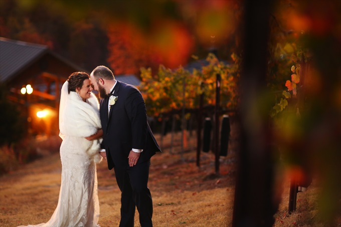 Lauren + Jamie's Spectacular Wedding at the Wolf Mountain Vineyards! - http://emmalinebride.com/real-weddings/wolf-mountain-vineyards-wedding | Melissa Prosser Photography