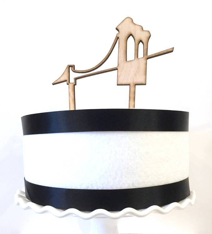 Brooklyn Bridge cake topper by TiffZippy