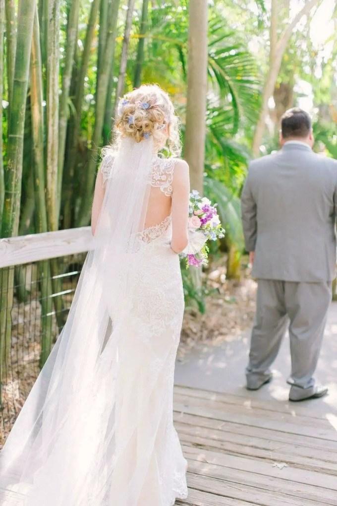 lace veil | via win a free bridal veil from s & e veils at emmaline bride: http://emmalinebride.com/veils/free-bridal-veil/