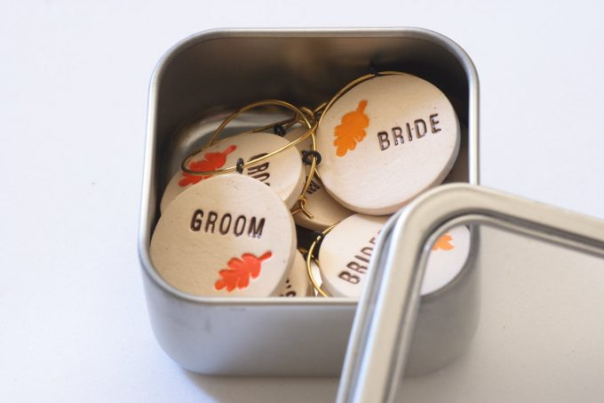 personalized wine charm favors for weddings