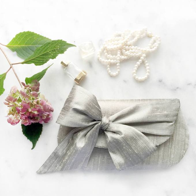 15 perfect gifts for the mother of the bride mother daughter gift