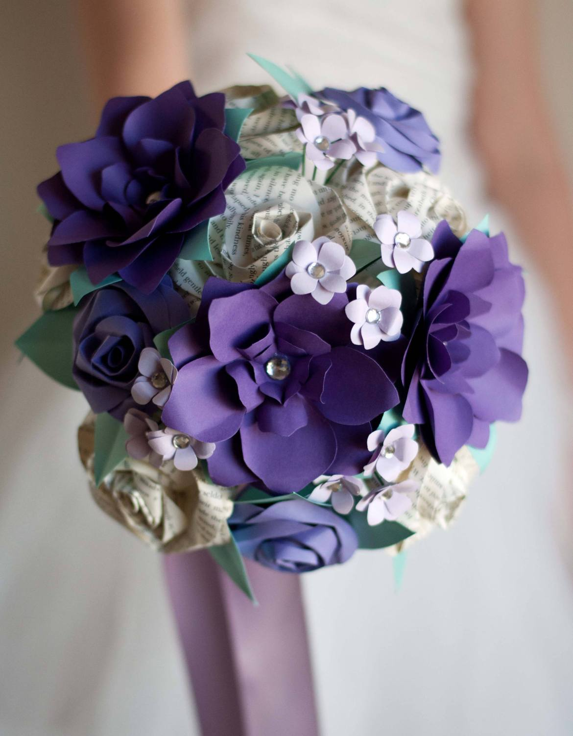What to carry down the aisle instead of flowers bridalpulse wedding bouquet alternatives izmirmasajfo