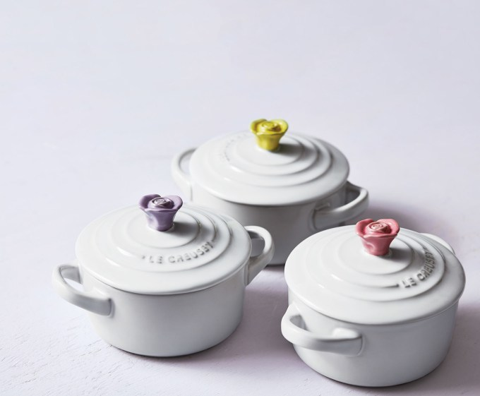 le creuset stock pot, mugs, and more