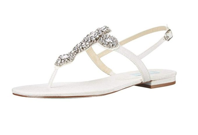944cf6a6f9bb05 15 Best Wedding Flip Flops for the Bride - BridalPulse