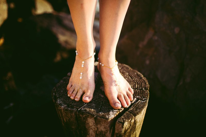 Barefoot Sandals - What Shoes to Wear for Beach Wedding   http://emmalinebride.com/bride/barefoot-sandals/