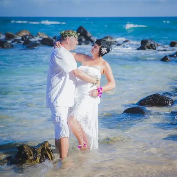 Maui-beach-wedding-ardolino-photography-emmaline-bride-18