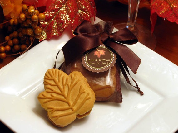 fall wedding favor ideas maple leaf cookie favors by lmk gifts