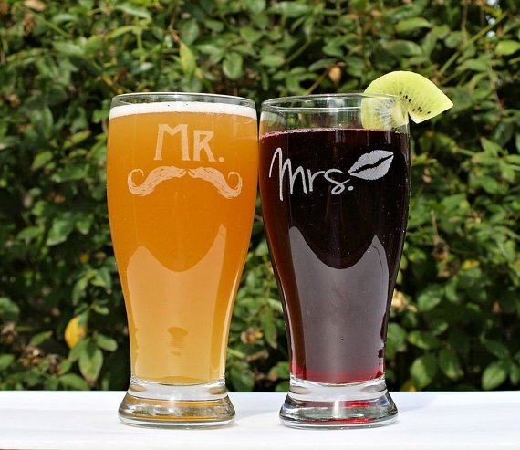 wedding gift ideas from a to z - beer glasses for mr and mrs by scissormill