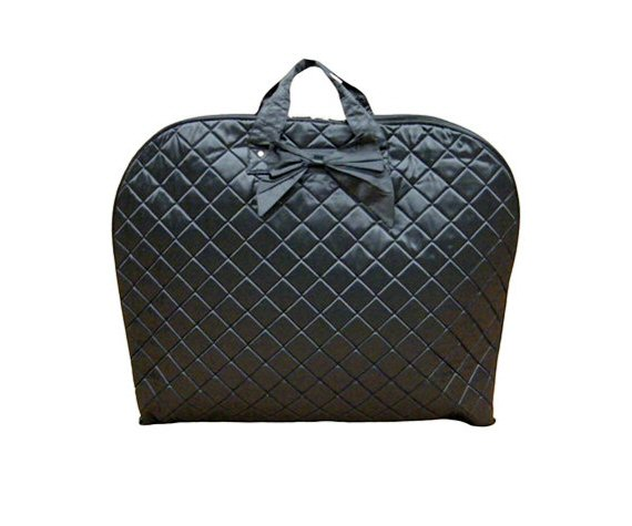 Best Bridesmaid Gifts from A-Z (via EmmalineBride.com) - black garment bag by arenlace