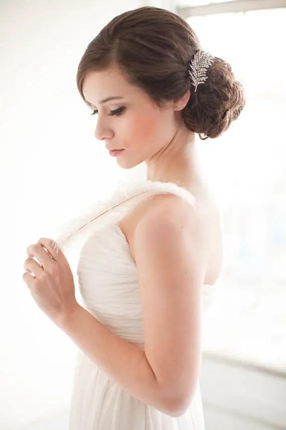 Alternative To Rose Garden: No Veil Wedding Look - Handmade Wedding Veils