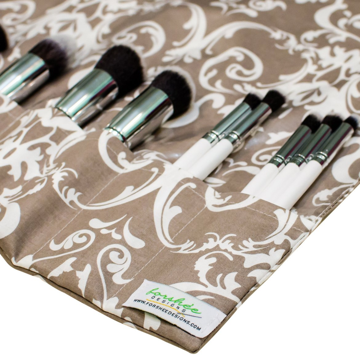brush roll | gifts bridesmaids travel | http://emmalinebride.com/gifts/gifts-bridesmaids-travel