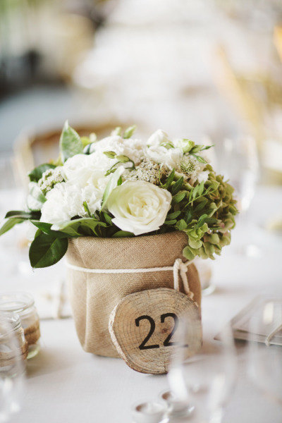 35 Easily Beautiful Ways to Use Burlap for Weddings