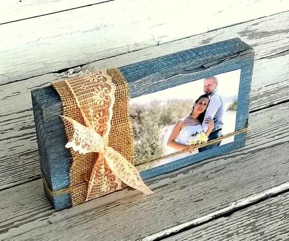 burlap wrapped photo frame