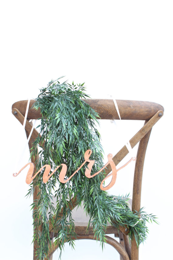 mrs chair sign   via http://emmalinebride.com/decor/bride-and-groom-chairs/