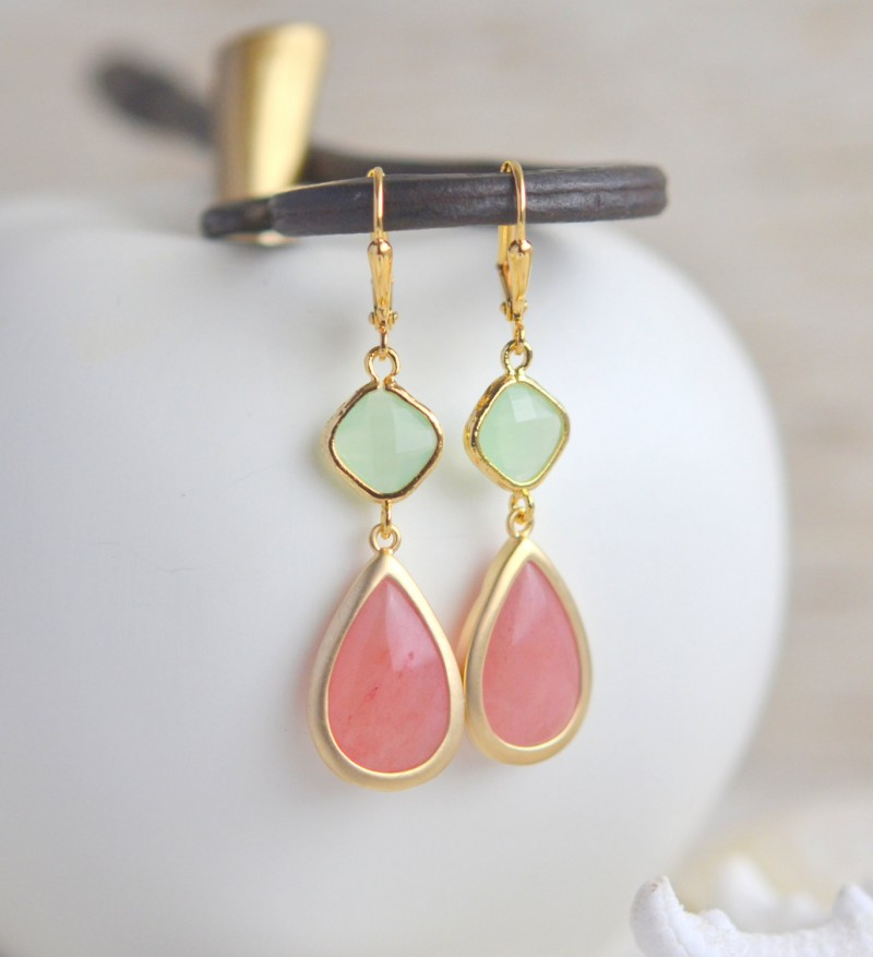 coral mint bridesmaid earrings | Coral and Mint Wedding http://emmalinebride.com/color/coral-and-mint-wedding/