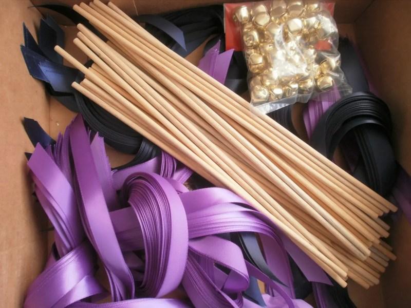 diy ribbon wands kit   Best DIY Wedding Projects via http://emmalinebride.com/decor/best-