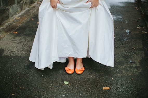 DIY Fall Wedding - Photo by Noelle Ann Photography - the #bride's #orange #shoes
