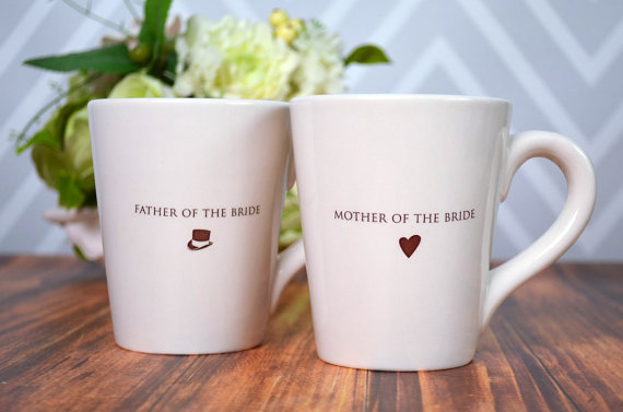 father of the bride mother of the bride mugs (via Ways to Thank Parents at Your Wedding)