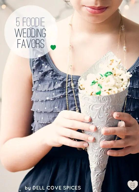5 Foodie Wedding Favors (via EmmalineBride.com) - photo via Dell Cove Spice Co.