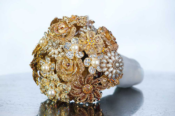 gold pearl brooch bouquet
