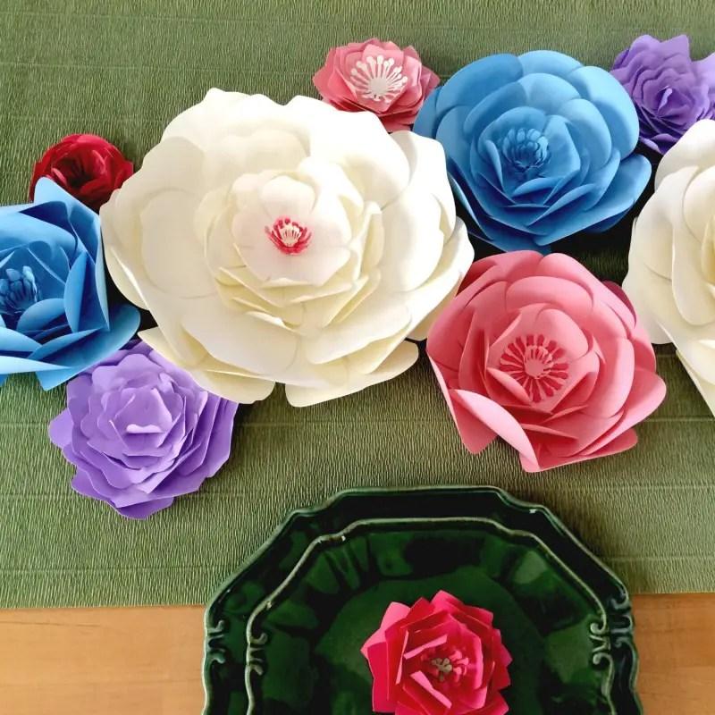 gorgeous paper flower table decor