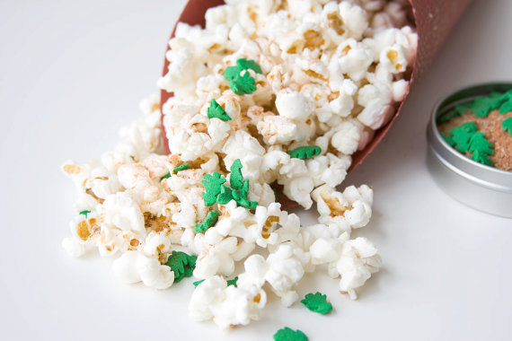 wedding cake flavored popcorn recipe bridal shower favors bridal shower favor ideas 22629