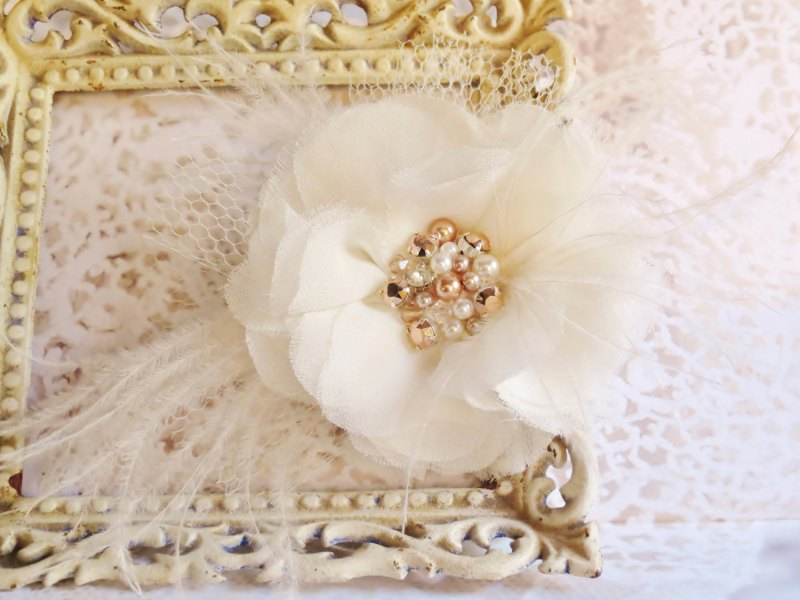 hair flower with rose gold pearls   via http://emmalinebride.com/bride/what-to-wear-instead-of-veil/ - What to Wear Instead of Veil