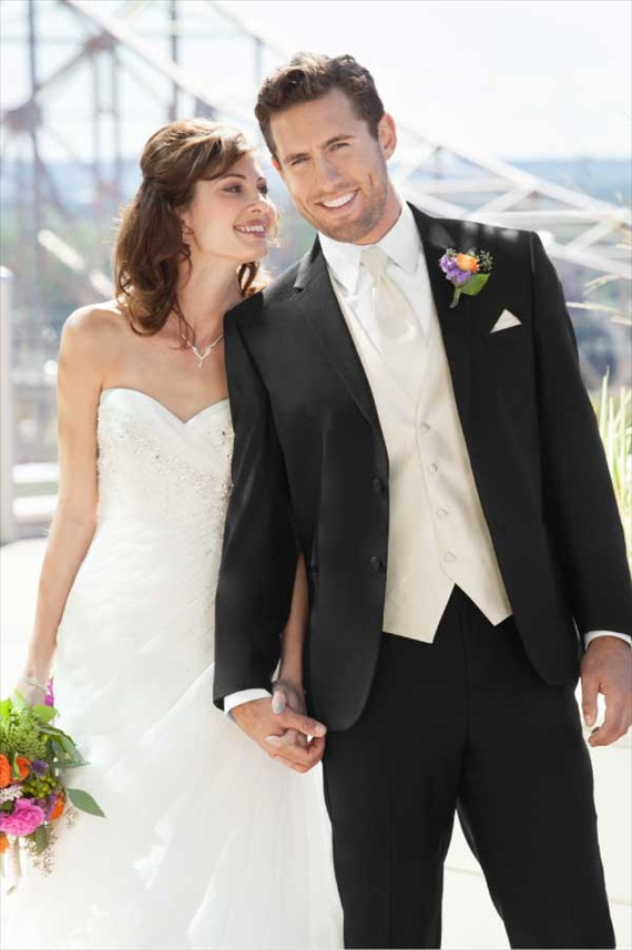 How to Select a Tuxedo: 3 Essential Tips (by EmmalineBride.com, photo: jos. a bank) #handmade #wedding #tips #groom