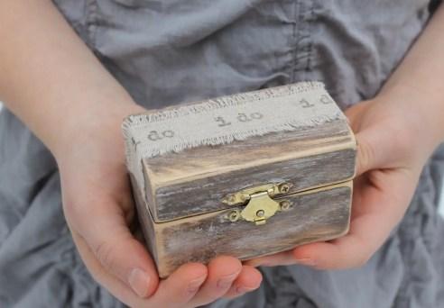 i do ring box | via Rustic Ring Pillows http://emmalinebride.com/ceremony/rustic-ring-pillows/