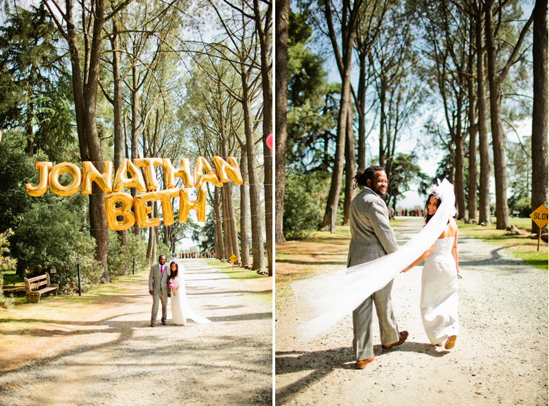 jonathan and beth giant gold balloons | photo: jacob mariano | 7 Fun Ways to Use Giant Letter Balloons at Weddings http://emmalinebride.com/decor/giant-letter-balloons-weddings/