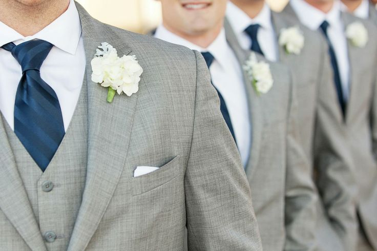 navy blue and white groomsmen | photo by hampton morrow photography | via http://emmalinebride.com/decor/navy-and-white-wedding-ideas/ | from 21 Navy and White Wedding Ideas