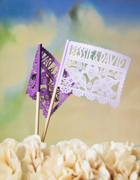 6 Clever Ways to Personalize Your Wedding (personalized flags: ay mujer)