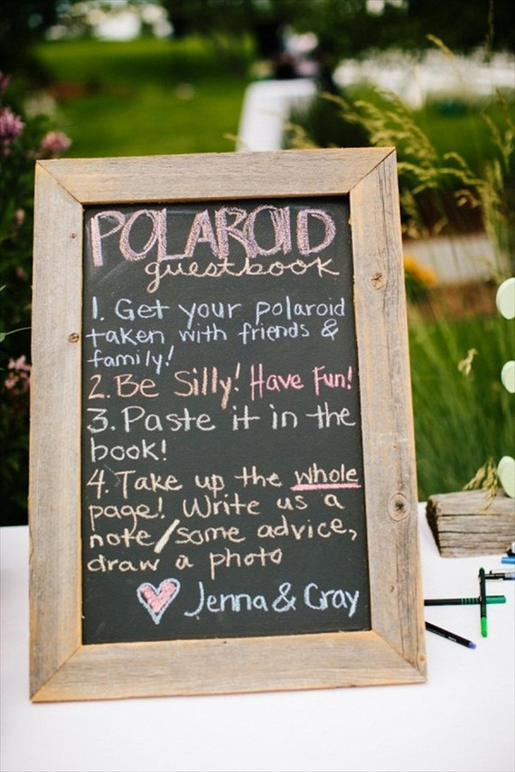 How to Use Polaroids at Weddings