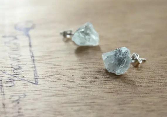 raw aquamarine earrings | via Best Aquamarine Jewelry Finds on Etsy - http://emmalinebride.com/bride/best-aquamarine-jewelry/