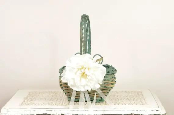 Rustic Flower Girl Baskets (by Duryea Place Designs via EmmalineBride.com) #handmade #wedding #flower-girl #ceremony