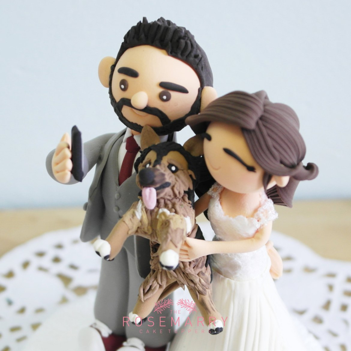 selfie cake topper with dog by the rosemarry toppers