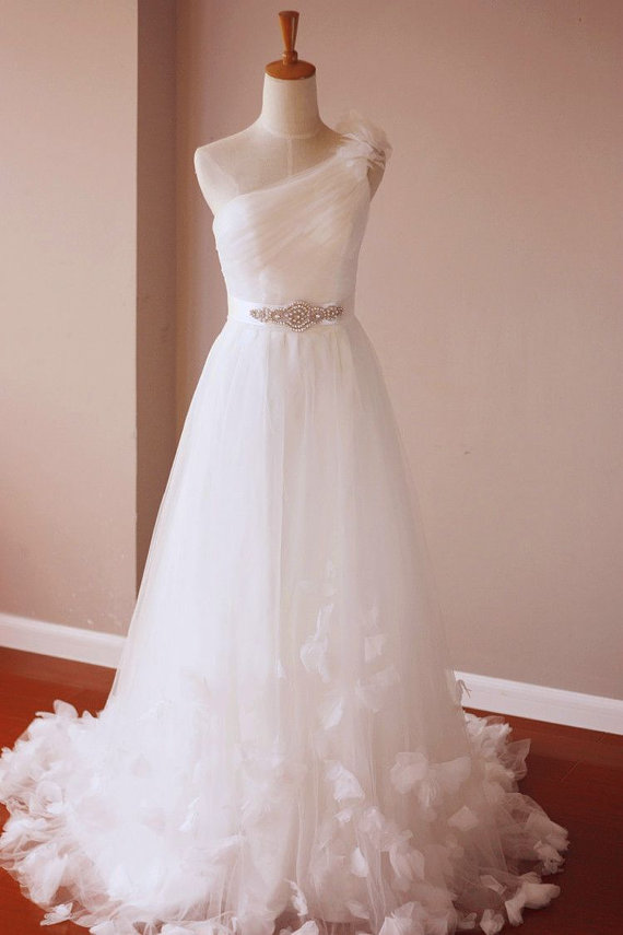 single shoulder wedding gown